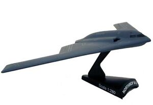 Model Power 5387 B-2 Bomber 1/280 Scale Diecast Model
