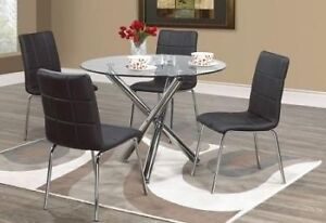 5 pc glass round dinning set clear out price$350