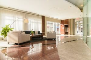 Furnished Luxurious 1100sf Condo in Downtown/Old MTL w/Indr Prkg