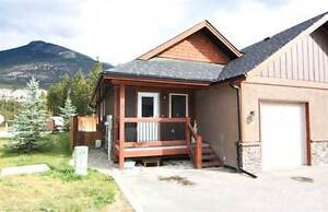 Homes for Sale in LAKE WINDERMERE, British Columbia $289,000