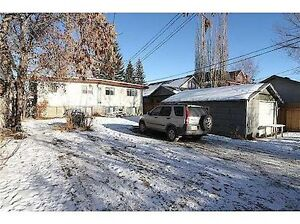 Over Sized, Insulated Single Car Garage in West Hillhurst