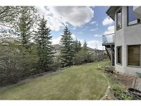 Beautiful 2 Bedroom Walkout Basement Suite in Signal Hill SW