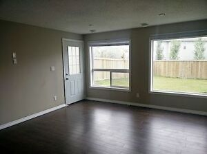 WALK OUT 2 BED BASEMENT SUITE WITH PRIVATE BACKYARD IN WALKER