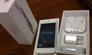 White iPhone 5 Like New Unlocked, 16 Gb