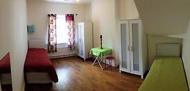 Big and bright twin room available in Archway (zone 2) from the 6th of March