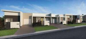 Townhouses in OUTLOOK ESTATE, COOMERA