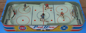 Eagle Toys 1955 Pee Wee Table Hockey Game All Metal Construction