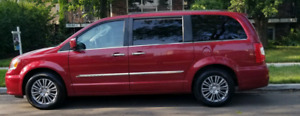 2014 Town & Country minivan