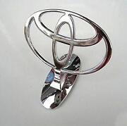 Toyota Hood Emblem