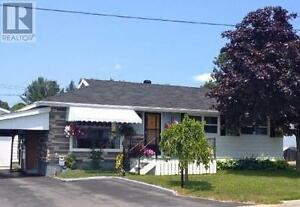 Move in Ready Detached Bungalow in Elliot Lake. New Price!