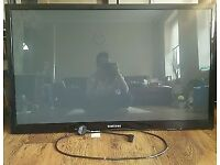 SAMSUNG PLASMA 42 INCH WITH NEW GANUINE REMOTE CONTROL spare or repair