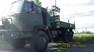 Camion d'armée 6x6