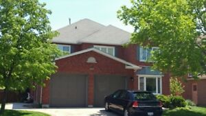 4 BDRM 4 BATH BEAUTIFUL DET HOME IN HEART OF GLEN ABBY OAKVILLE