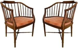 Superbe Pair Hollywood Regency Chairs