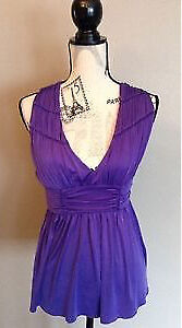 GUESS BY MARCIANO top , Size XS London Ontario image 1