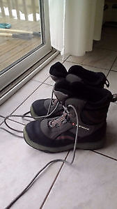 Menm's Size 9 Winter Boots in excellent condition