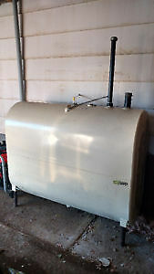 Oil furnace and oil tank