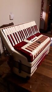 Beautiful Italian  Antique Candy Stripe  1946 Camerano Accordion