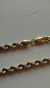Rope chain 22 pouces , 4.5mm 8.7grams 10k europe 2 ton brand new