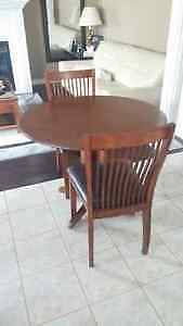 Dining table with 2 chairs in perfect condition for sale