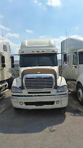 2006 freightliner cloumbia mbi engine auto very clean low