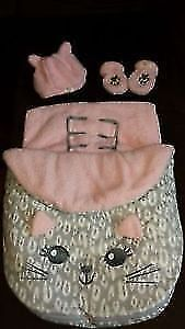 Like New! Girls 3-pc Carseat Bunting Set