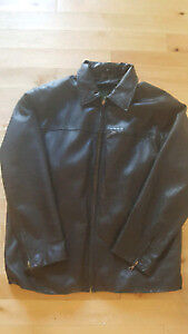 Men's leather jacket in pristine condition