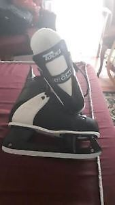 Hokey skates - Size 8.5 - Excellent condition  for $30