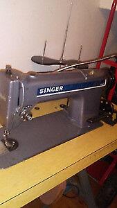 machine a coudre industriel  singer