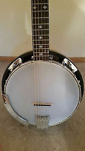 6 String Gold Tone Banjo with Hard Shell Case
