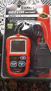 AUTOLINK319 OBD2 ENGINE CODE READER WITH LIVE DATA. NEW!
