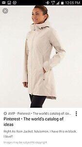 Lululemon right as rain jacket size 8