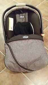 Chicco KeyFit 30 infant car seat w/ one base