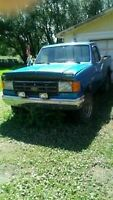 1990 Ford F150 Shortbox 4x4 Parts or Project