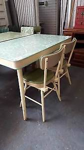 retro dining table and 4 chairs williamstown north hobsons bay area