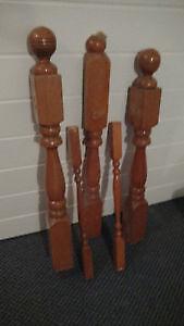 poteaux en bois de pin colonial