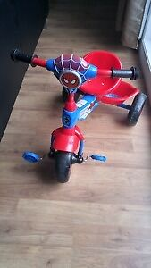 Tricycle pour enfant Spiderman comme neuf