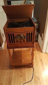 Antique style record player/cd player/tape player/radio