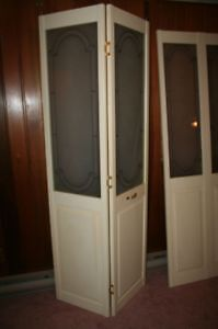 Decorative Bifold Wood Door with Glass Panel trimmed w/Brass West Island Greater Montréal image 3