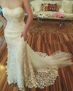 Stunning Wedding Dress with Luxury Lace and deatachable train!!