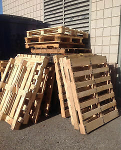 Wanted  Free Wooden Pallets    will pickup