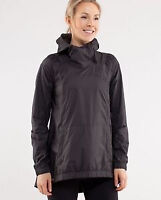 EUC Lululemon pack and go pullover size 8