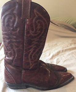 Cowboy boots Female