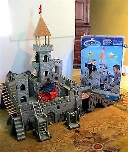 Medieval Castle building toy Perfect for all Boys or Girls