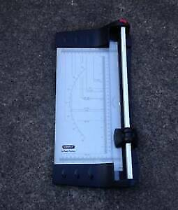 Lowell A4 Paper Trimmer guillotine [398] Braybrook Maribyrnong Area Preview