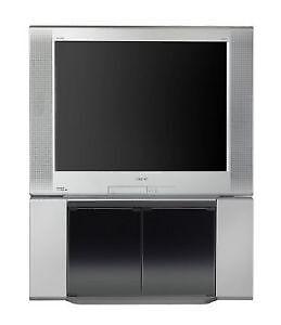 TV avec écouteur sans fils, cinéma maison 5dvd Sony et meuble.