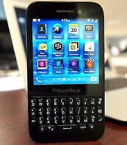 Blackberry q5 with touch screen looked to mobilicity