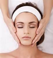 facial massage and blackhead remove