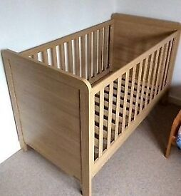 Brand new Mamas and Papas Cotbed -oak effect