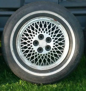 1990 Chrysler New Yorker Aluminum Rims